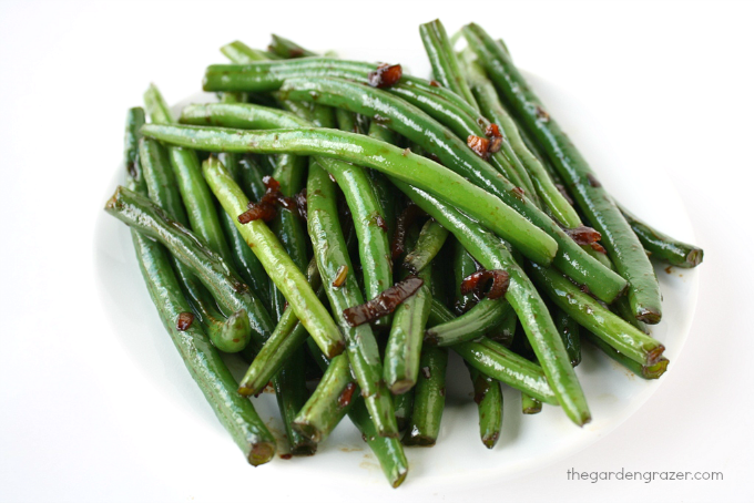 Plate with cooked garlic green beans