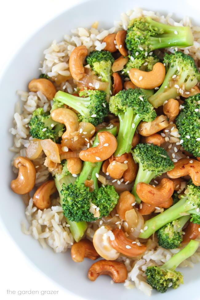 Vegan Cashew Broccoli Stir-Fry in a bowl
